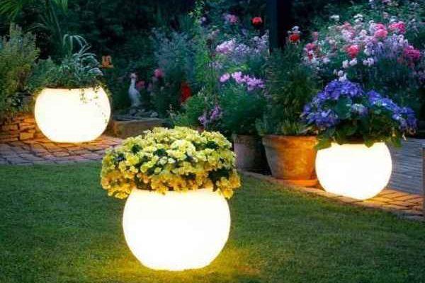 Model Lampu Hias Taman Rumah Minimalis yang Elegan dan Indah