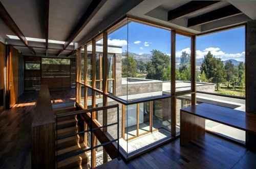 Ide Desain Rumah Minimalis di Pegunungan yang Asri dan Elok