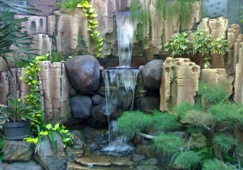 13 Desain Air Terjun Untuk Taman Di Halaman Rumah Anda
