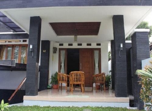 model rumah dengan batu alam