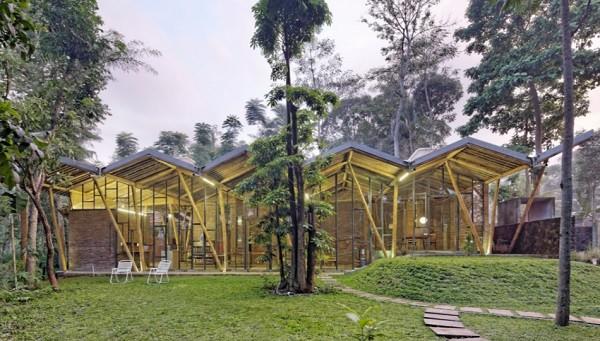 dancing mountain house atau p house karya budi pradono