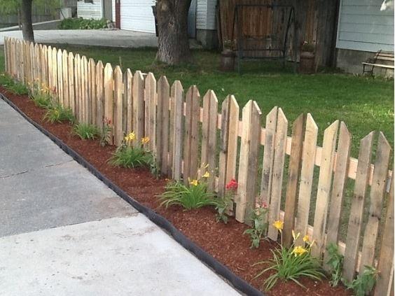 desain pagar palet kayu 2