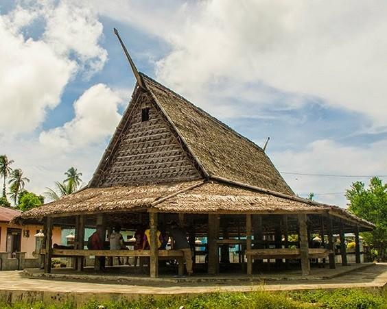 Rumah Adat Maluku Sejarah Dan Penjelasan Lengkap Beserta Gambar