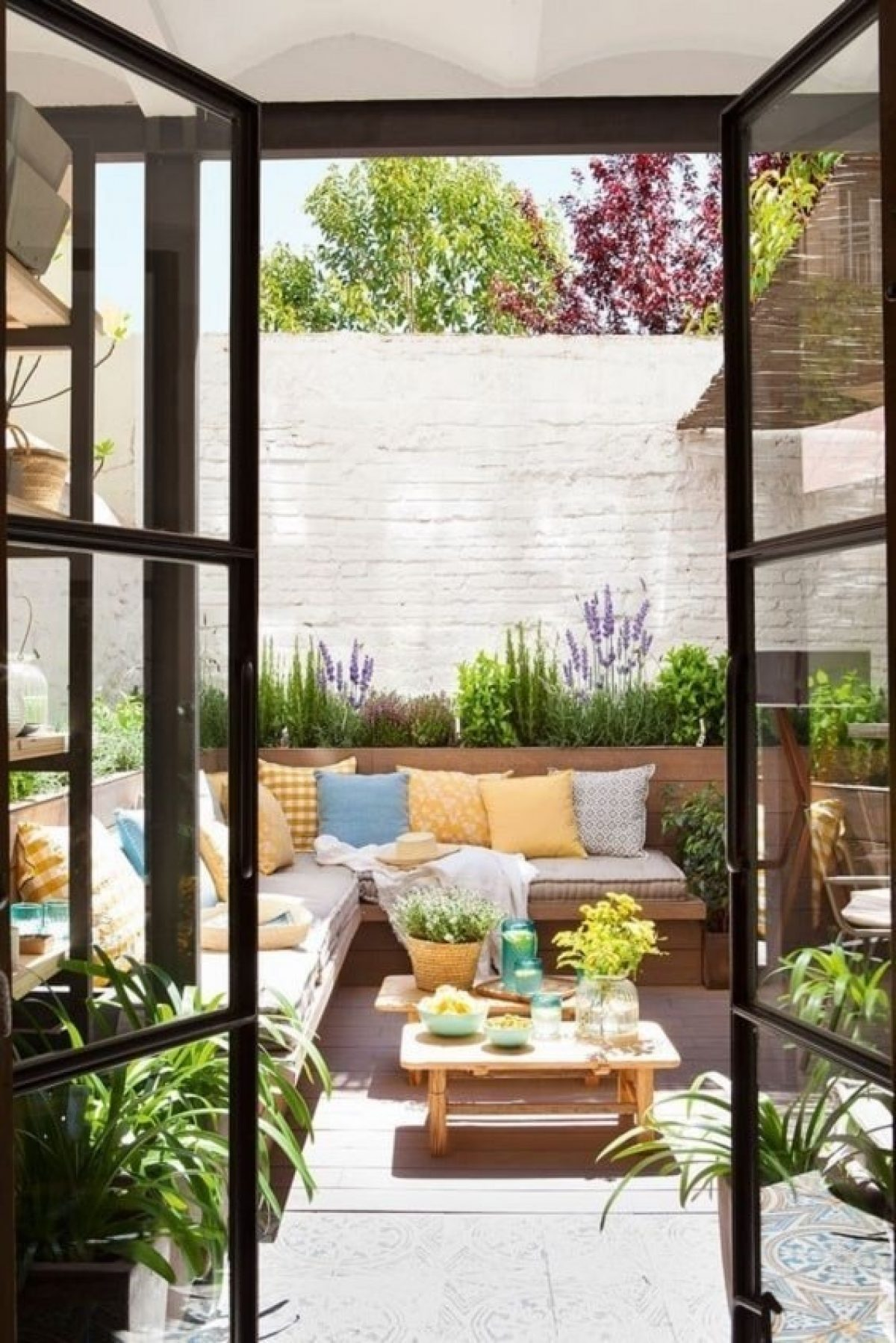Desain Taman Belakang Rumah Minimalis Modern