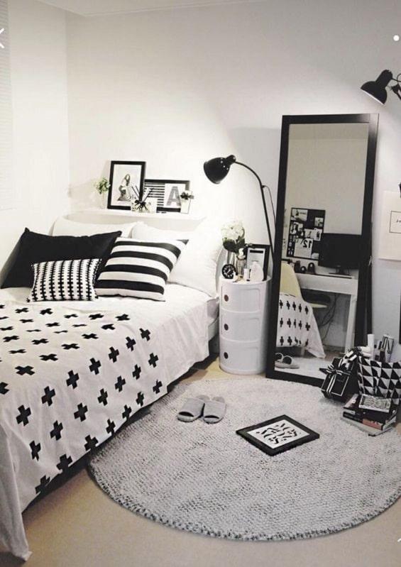 Desain Kamar Tidur Hitam Putih Yang Elegan Dan Minimalis